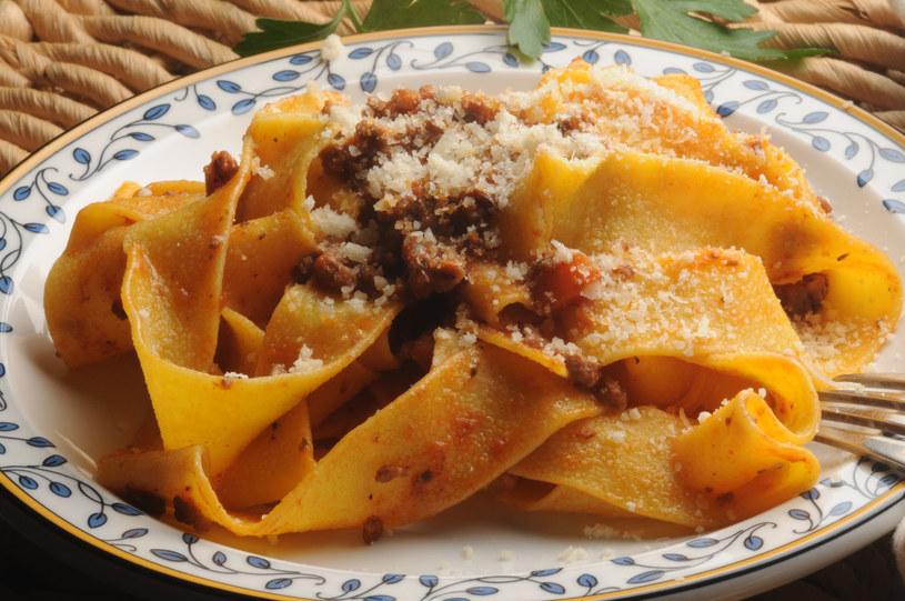 Sofrito pasuje do mięs, ale też warzyw czy makaronów /123RF/PICSEL