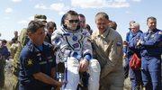 Sojuz z trzema astronautami wylądował w Kazachstanie