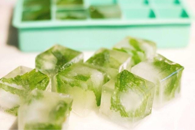 sok cytrynowy z miętą /© Photogenica