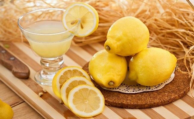 sok oczyszczanie jelit /© Photogenica