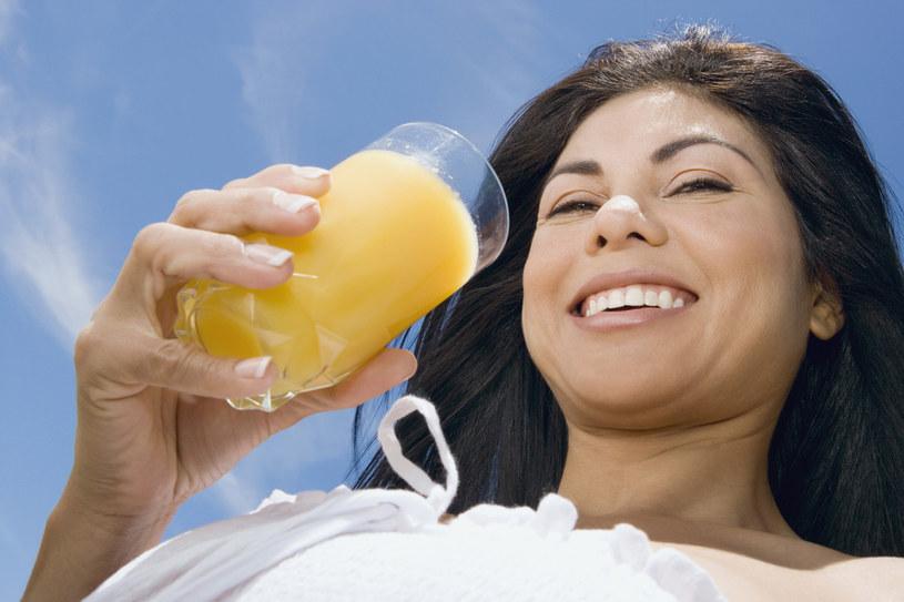 sok pomarańczowy właściwości - krok 1 /© Photogenica