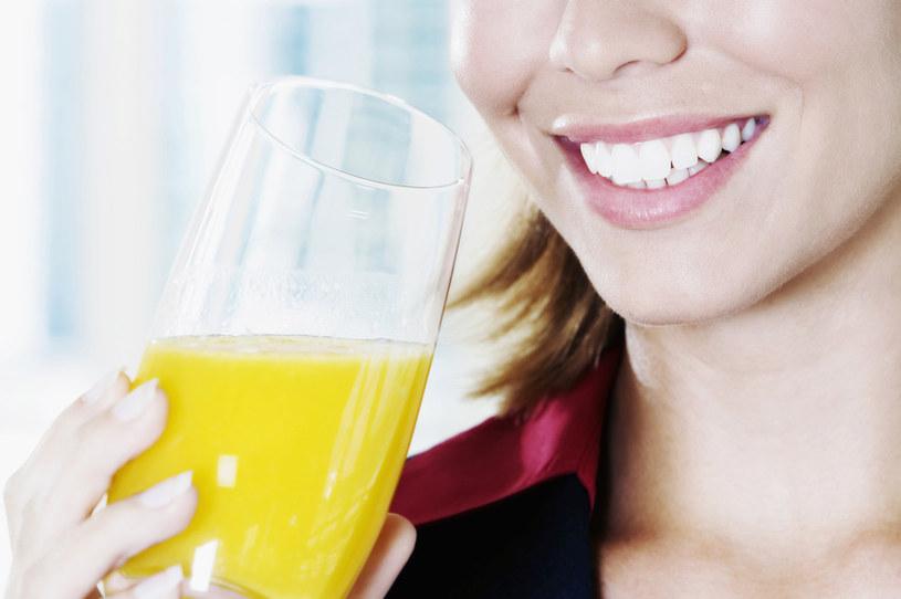 sok pomarańczowy właściwości - krok 4 /© Photogenica