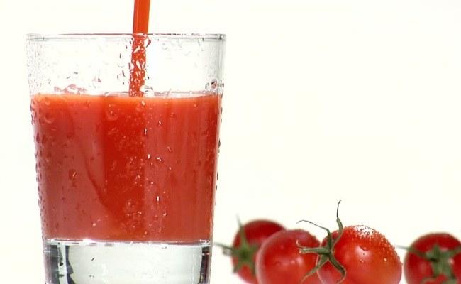 Sok pomidorowy lato /© Photogenica