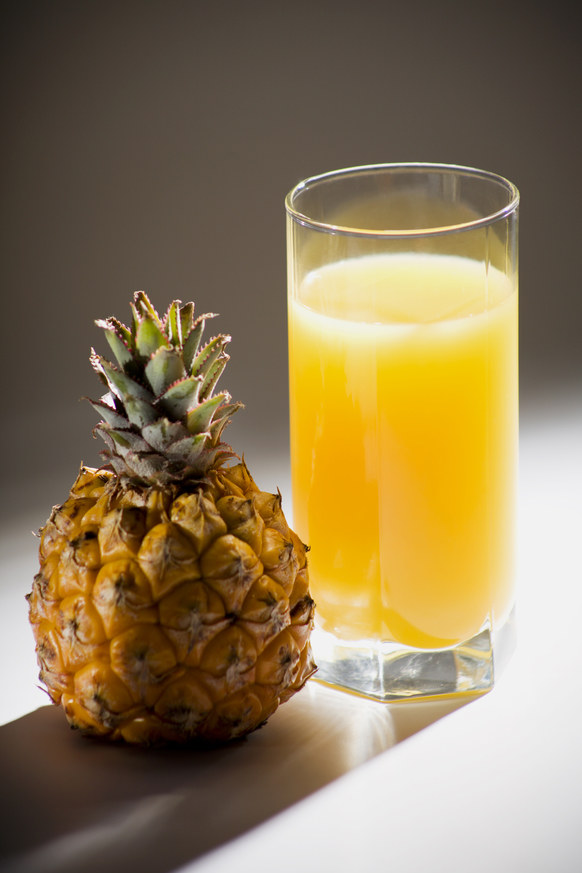 sok z ananasa na kaszel /© Photogenica