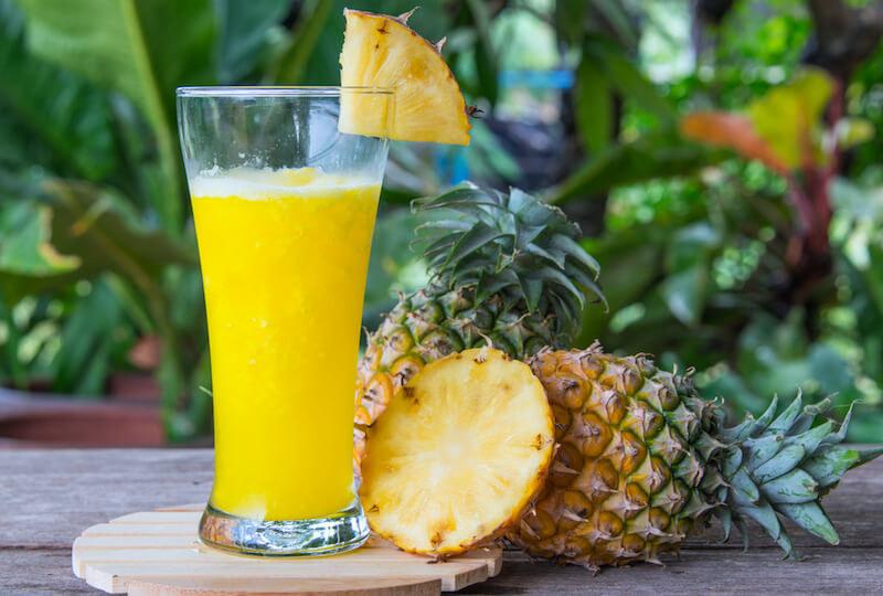 sok z ananasa /© Photogenica