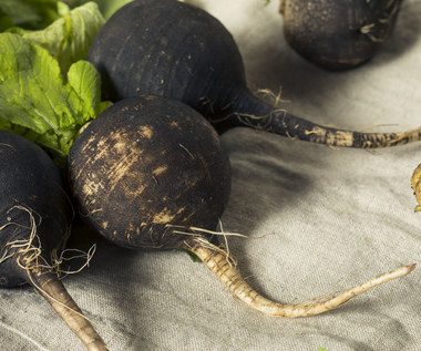 Sok z czarnej rzepy: Najlepszy na odporność i trawienie. W czym jeszcze pomoże?