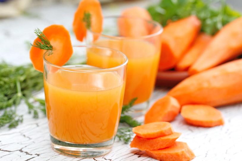 Sok z marchewki poprawia metabolizm /123RF/PICSEL