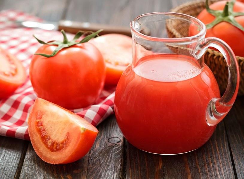sok z pomidorów /© Photogenica
