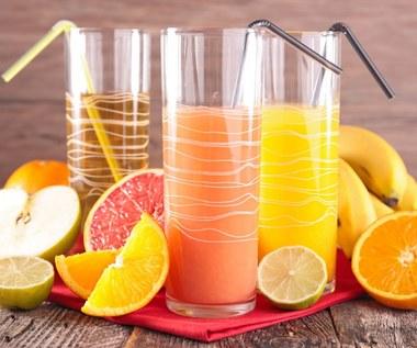 Soki, nektary i napoje owocowe: Czy warto je pić?