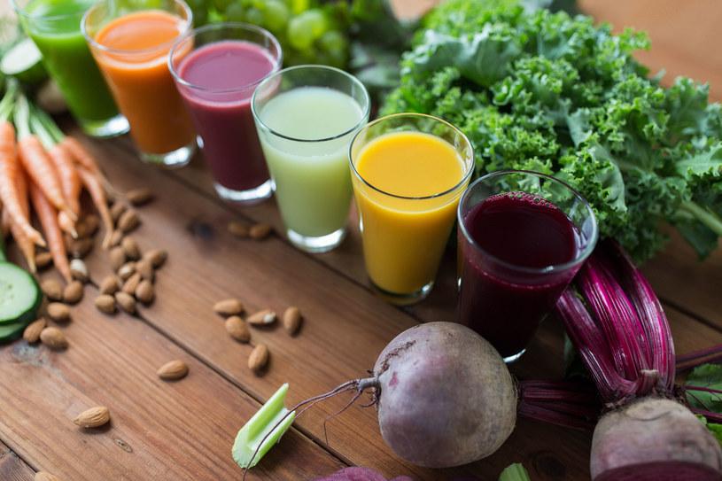 Soki warzywne są zdrowsze od owocowych /123RF/PICSEL