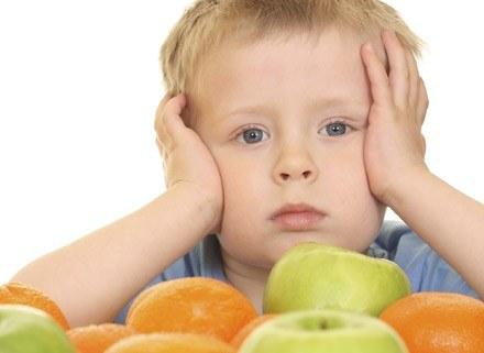 Soki zawierają wiele cennych składników, dlatego warto je podawać dzieciom. /ThetaXstock