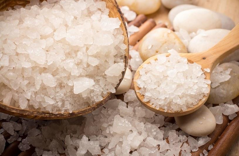 Sól morska do idealny składnik pielęgnacji skóry /123RF/PICSEL