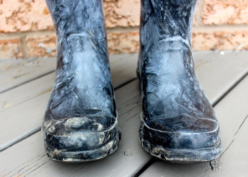 sól na butach usuwanie /© Photogenica