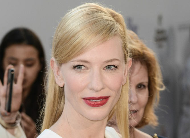 Sól, olej makadamia i grejpfrut - to sekret pięknej skóry aktorki Cate Blanchett /East News /East News