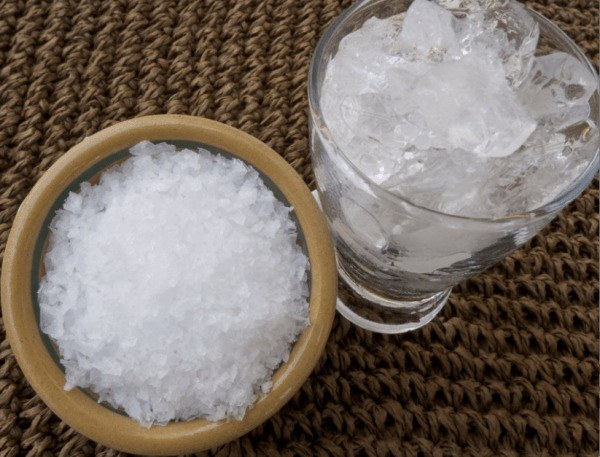 sól z lodem chłodzenie /© Photogenica