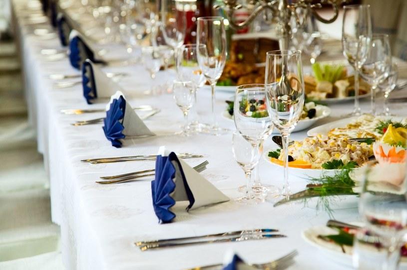 """""""Solidarne wesela"""" stają się coraz popularniejsze, zwłaszcza- jak zauważono- wśród nowożeńców w wieku 35-40 lat, wrażliwych na tematykę społeczną i ekologiczną /123RF/PICSEL"""