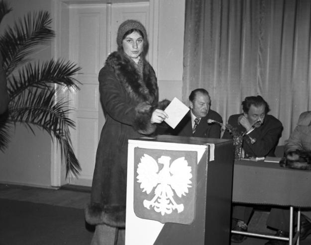 """""""Solidarność"""" zakwestionowała informacje reżimu dotyczące frekwencji wyborczej /Z archiwum Narodowego Archiwum Cyfrowego"""