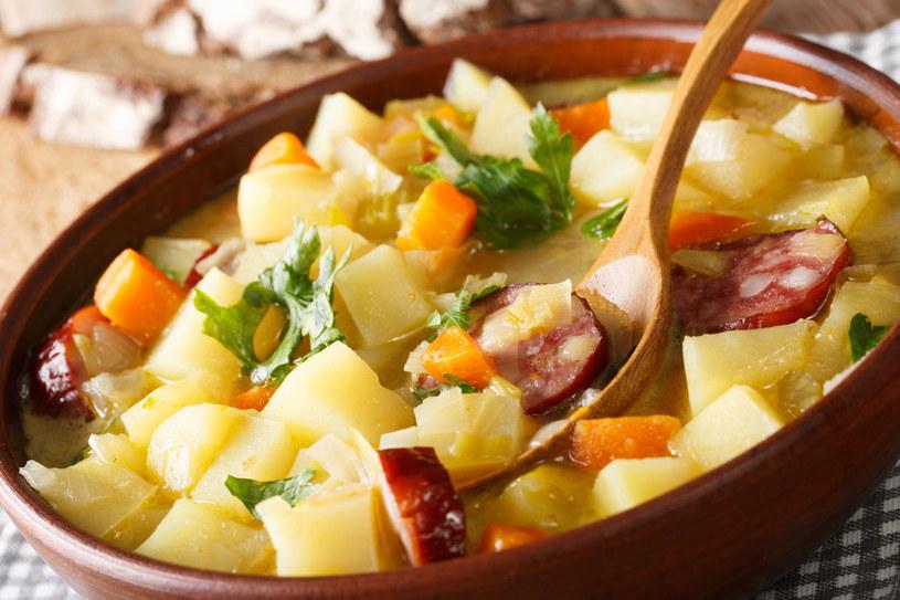 Solidna zupa ziemniaczana zaspokoi nawet największy głód /123RF/PICSEL