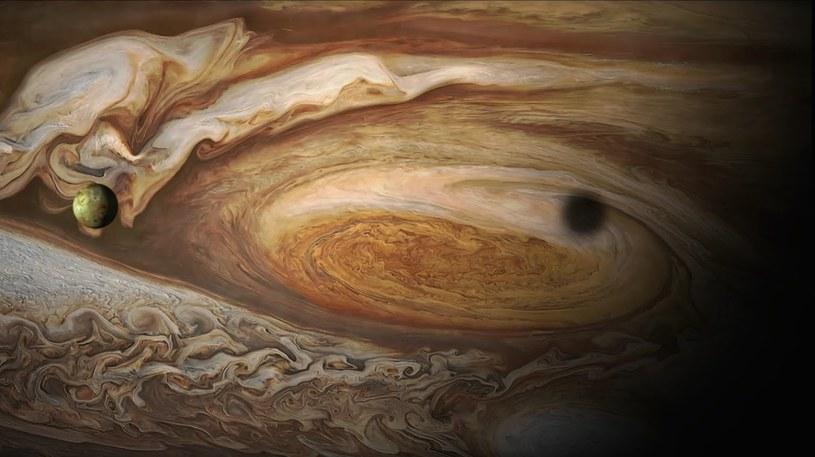 Sonda Juno już na orbicie Jowisza /materiały prasowe