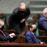 Sondaż CBOS: 43 proc. Polaków niezadowolonch z pracy premiera