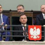 Sondaż CBOS: Polacy zadowoleni z prezydenta i parlamentu