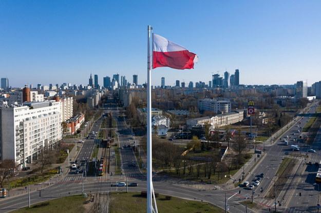 Sondaż: Czy Polacy słuchają zaleceń władz i lekarzy dot. koronawirusa?