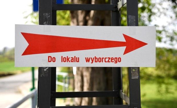 """Sondaż dla RMF FM i """"DGP"""": Polacy nie chcą wyborów 10 maja. Prawie 70 proc. chce pójść do urn w sierpniu"""