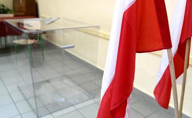 """Sondaż dla RMF FM i """"DGP"""": Ponad 70 proc. Polaków uważa, że wybory prezydenckie powinny zostać przełożone"""