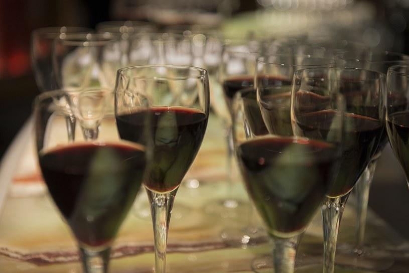 Sondaż IBRiS: Zbyt niska wiedza społeczeństwa na temat alkoholu /Marek Kowalczyk /Reporter