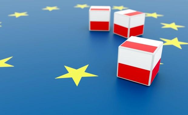 Sondaż: Ilu Polaków chciałoby referendum ws. obecności w UE?