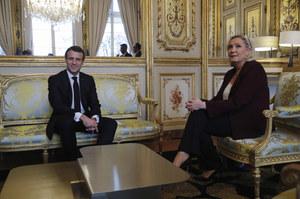 Sondaż: Macron i Le Pen spotkają się w drugiej turze. Prowadzi Macron