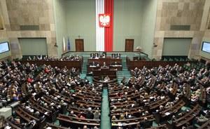 Sondaż TNS Polska: 42 proc. chcących głosować popiera PiS, 17 proc. PO