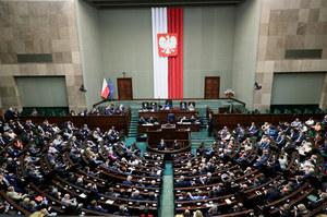 """Sondaż wyborczy dla """"Wydarzeń"""". Lider umacnia pozycję"""