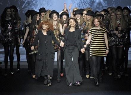 Sonia Rykiel z córką Nathalie podczas pokazu kolekcji jesień/zima 2008 /East News/ Zeppelin