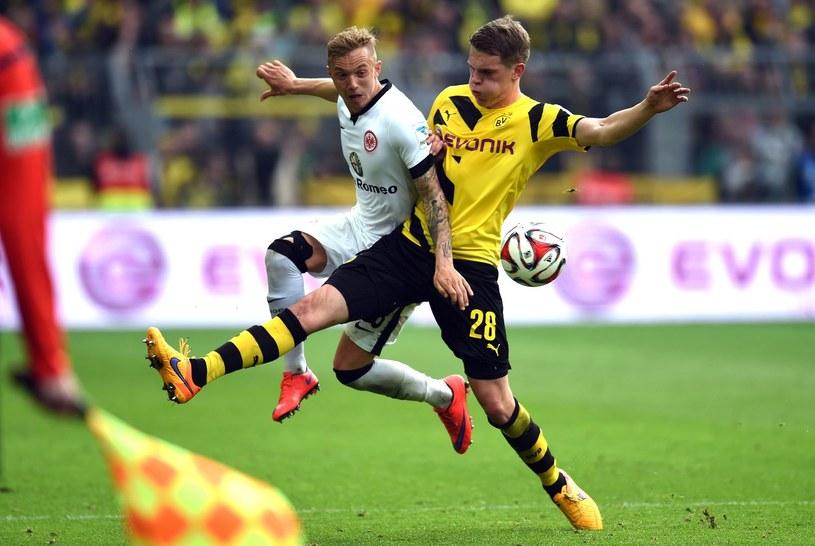 Sonny Kittel (z lewej), w barwach Eintrachtu Frankfurt, w meczu z Borussią Dortmund /AFP