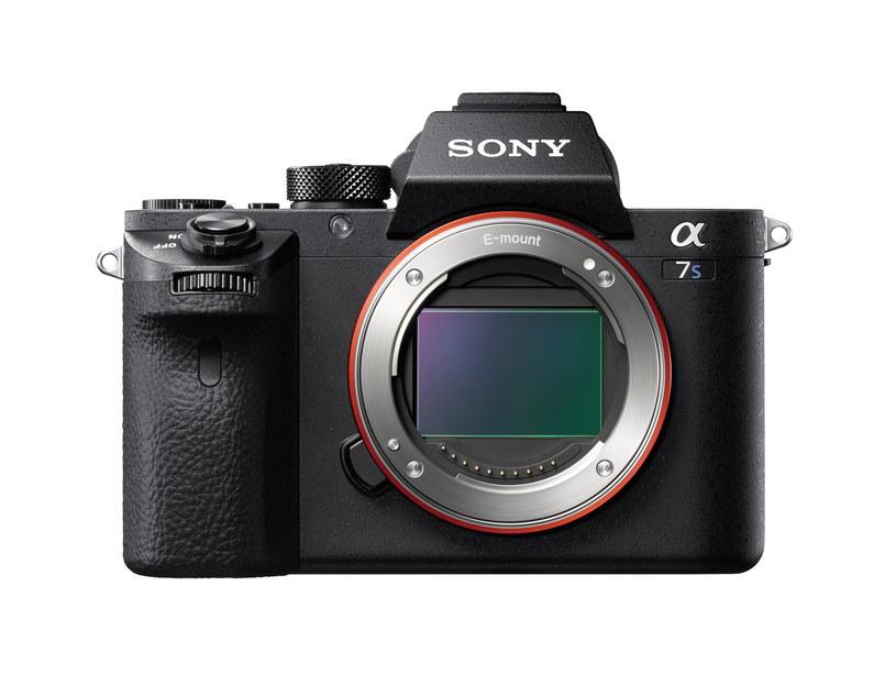 Sony Alfa 7S II /materiały prasowe