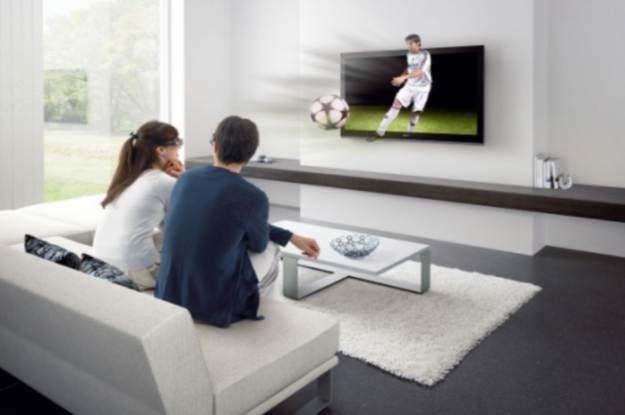 Sony BRAVIA HX800 - sam telewizor 3D od Sony kosztuje około 7 tys. zł. /materiały prasowe