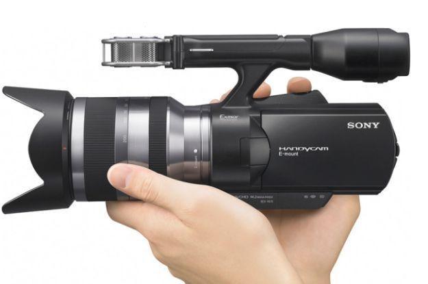 Sony NEX-VG10 - pierwsza kamera z wymienną optyką. Bardzo ciekawa propozycja /materiały prasowe