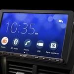 Sony XAV-AX8000: multimedialny system w starszym samochodzie