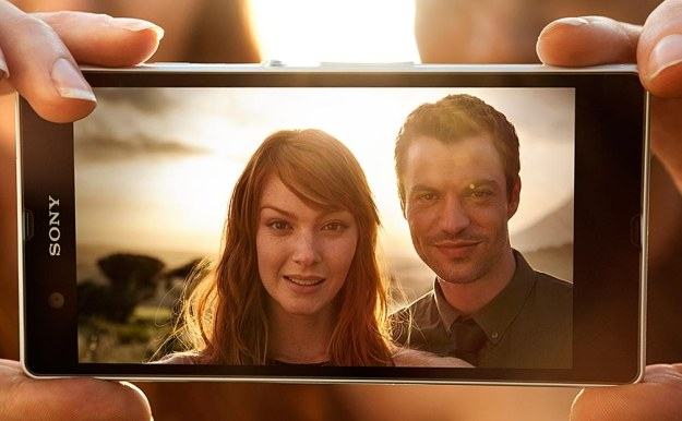 Sony Xperia Z - najlepszy smartfon Sony, świetny smartfon z Androidem i początek inwazji 5-calowych  telefonów z ekranami Full HD /materiały prasowe
