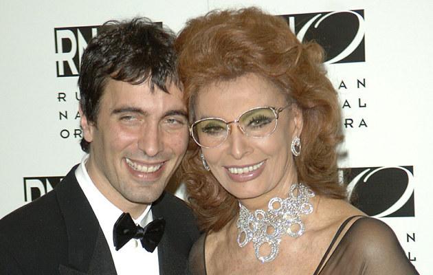 Sophia Loren z synem Carlo Ponti  /Splashnews