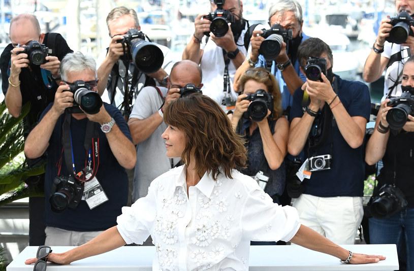 Sophie Marceau podczas spotkania z fotoreporterami w Cannes /Getty Images