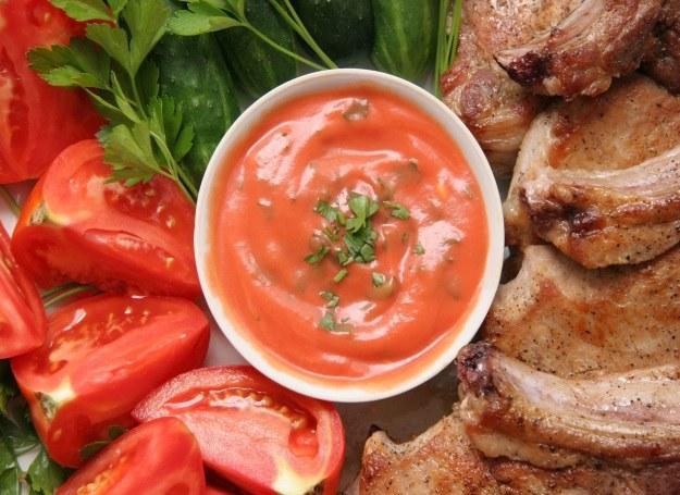 Sos do mięsa na bazie pomidorów /123RF/PICSEL