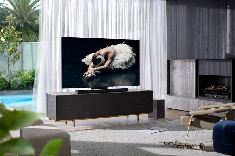 Soundbar HW-Q800T i telewizor QLED 800T - perfekcyjne połączenie obrazu i dźwięku /materiały promocyjne