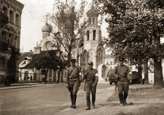 Sowieccy żołnierze w Wilnie /reprodukcja /Agencja FORUM