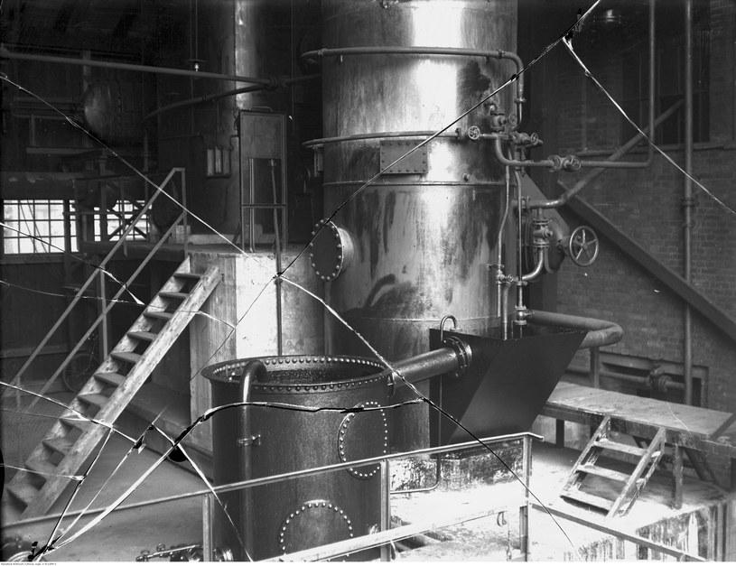 """""""Sowieci demontowali całe fabryki do fundamentów"""". Na zdjęciu kopalnia węgla w Jaworznie - urządzenia wewnętrzne /Z archiwum Narodowego Archiwum Cyfrowego"""