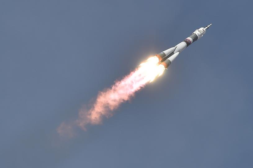 Soyuz MZ-09 z załogą w drodze na Międzynarodową Stację Kosmiczną /AFP