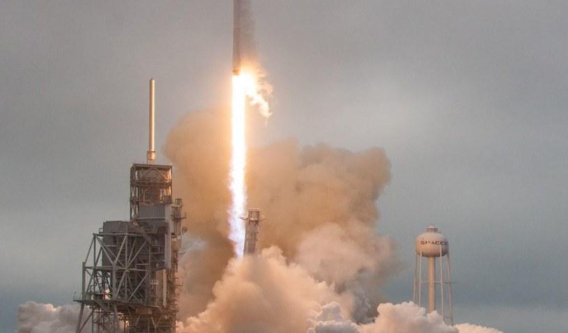 SpaceX co chwilę zmienia termin wylotu na Marsa /materiały prasowe