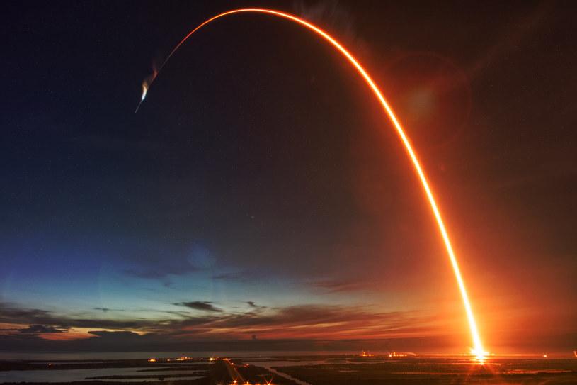 SpaceX ma za sobą wiele udanych misji cargo /123RF/PICSEL