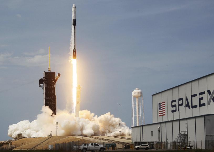SpaceX to pierwsza prywatna firma z tak dużym sukcesem /AFP